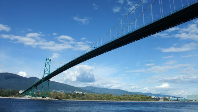 Stanley park Lions gate bridge Vancouver; Photo by ©Pacific Walkers