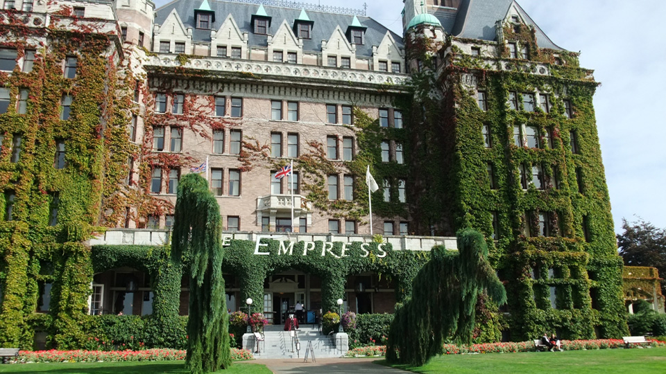 The empress hotel in Victoria; Photo by ©Pacific Walkers