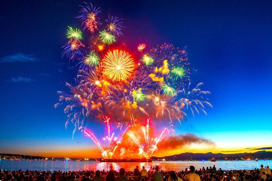 Japan on July 29 won 2017 Honda Celebration of Light. English Bay, Vancouver, British Columbia. Photo: © Koichi Saito