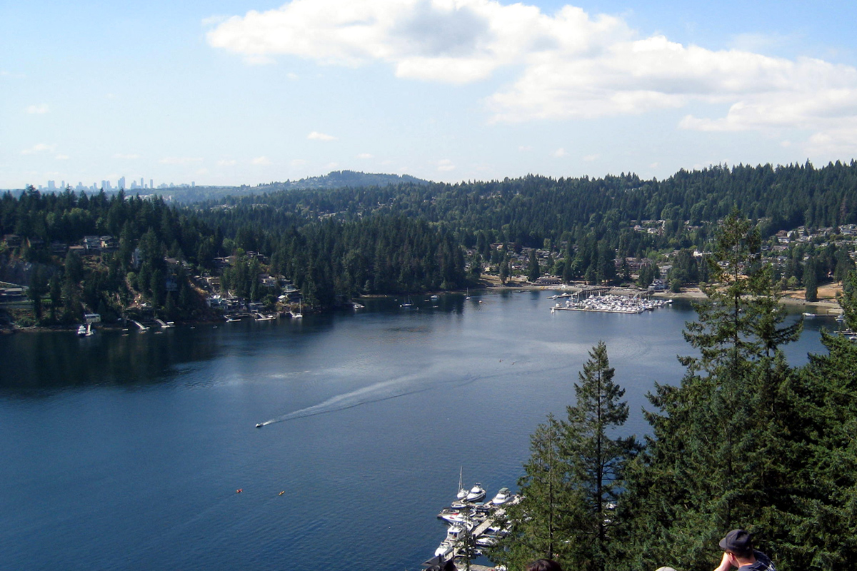 Quarry Rock of Baden Powell Trail, Deep Cove, North Vancouver, British Columbia; Photo by ©Pacific Walkers