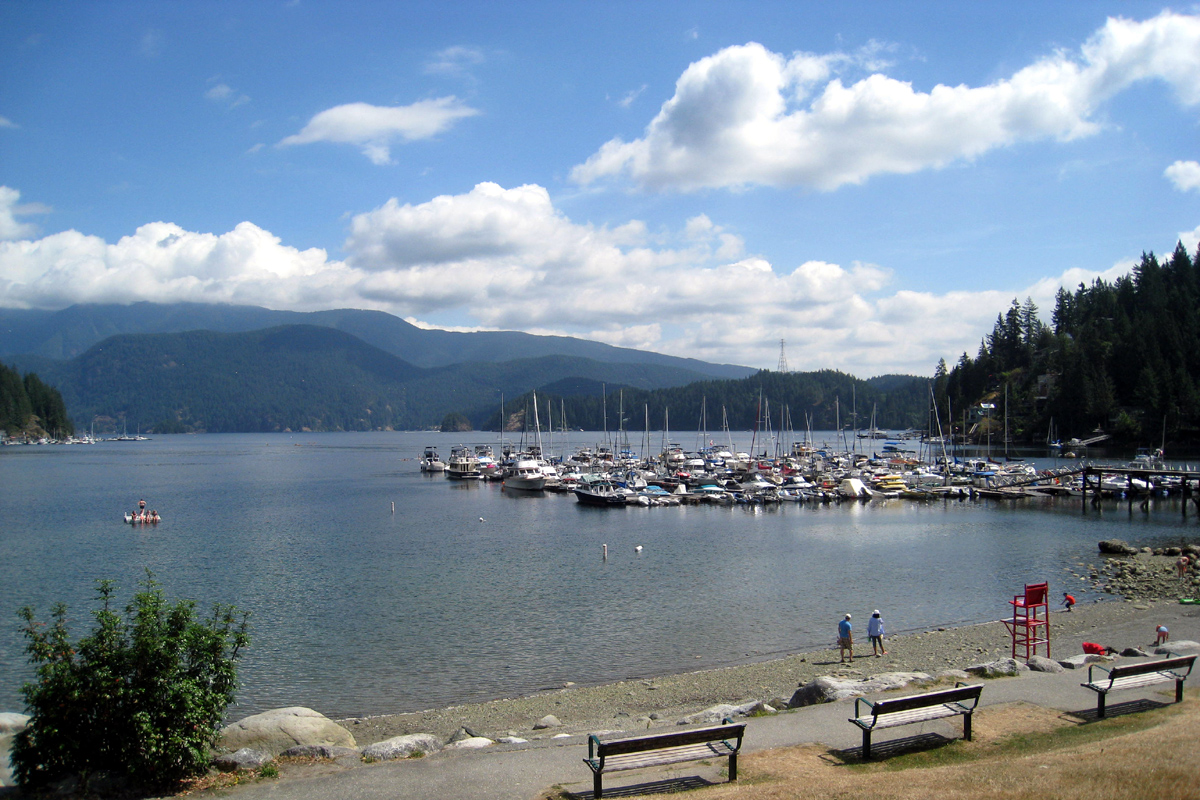 A beach at Deep Cove, North Vancouver, British Columbia; Photo by ©Pacific Walkers