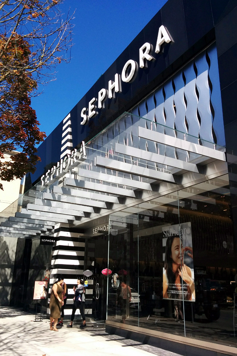 Sephora on Robson, Vancouver; Photo by ©Pacific Walkers