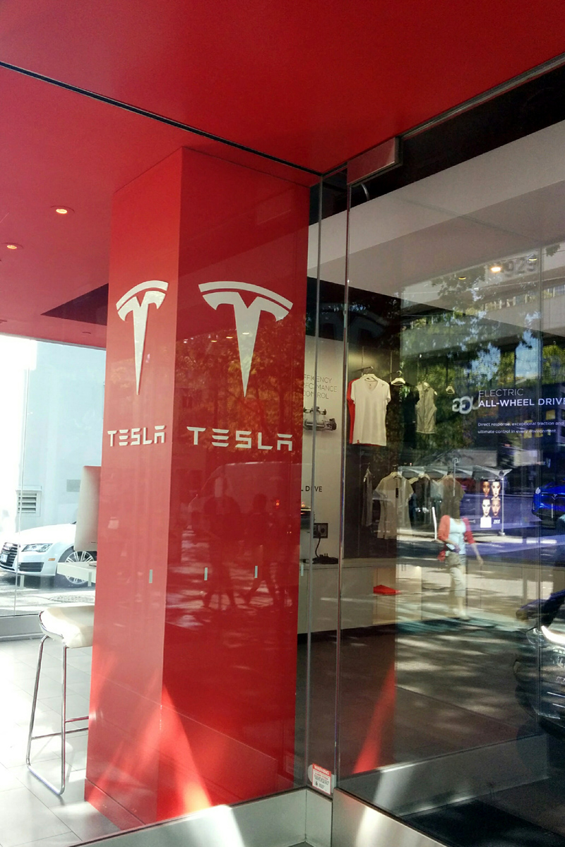 Tesla on Robson, Vancouver; Photo by ©Pacific Walkers