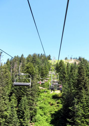 Going up with the ski lift of Grouse Mountain; Photo by ©Pacific Walkers