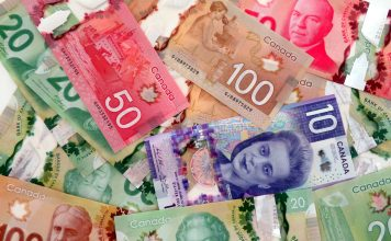 Canadian bills; Photo by ©Pacific Walkers