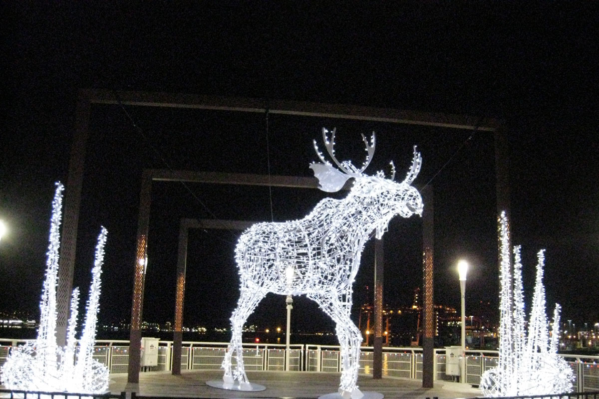 Christmas Moose at Canada Place, Vancouver, BC; Photo by ©Pacific Walkers